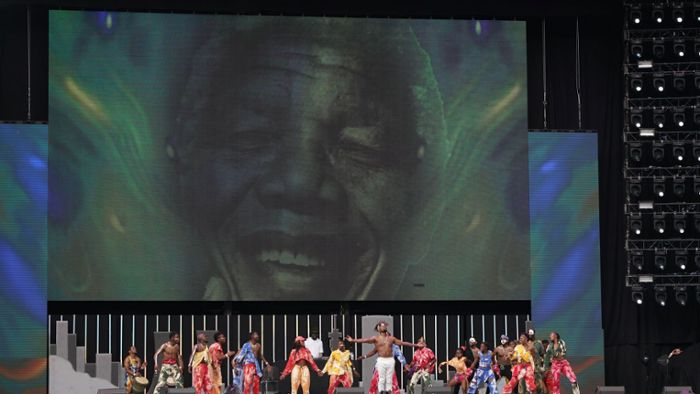 Ed Sheeran und Pharrell Williams feiern Nelson Mandela