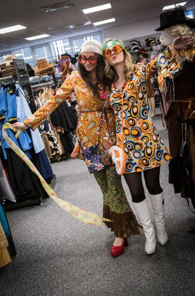 3c1dd890b5db4 Auch Verkleidungen gehen mit der Mode: Dieses Jahr sind Flamingos ...
