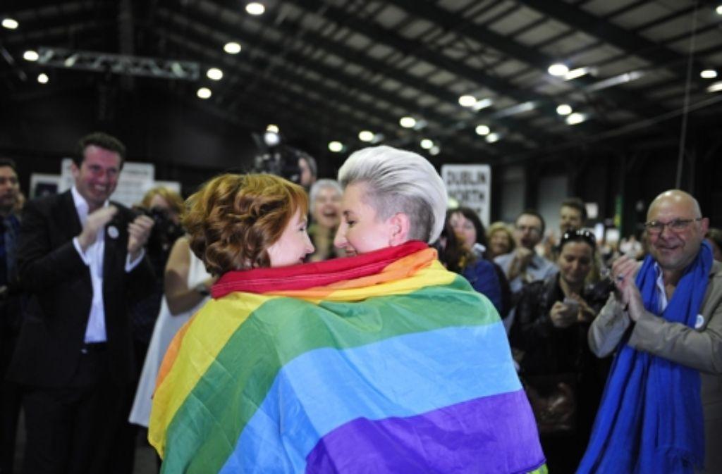 Debatte über Homo-Ehe: Wolf gesteht die Adoption nur Mann