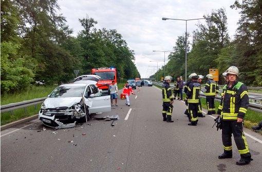 Sieben Menschen bei Unfall verletzt