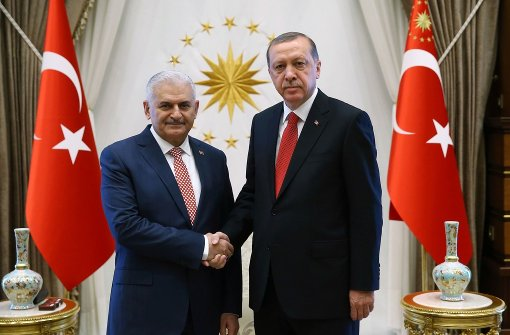 Präsident Erdogan stimmt neuer Regierung zu
