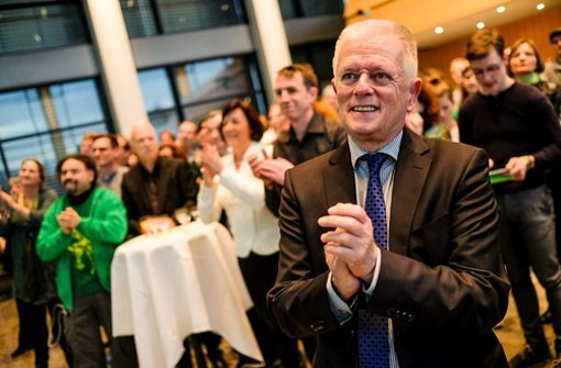 Stuttgarts Oberbürgermeister Fritz Kuhn jubelt über die Ergebnisse aus der Stadt. Foto: red