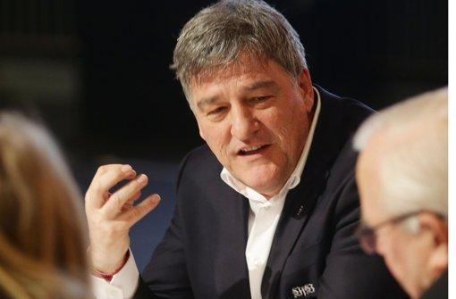 VfB-Präsident Bernd Wahler: Mehr Geld für Traditionsclubs Foto: Baumann