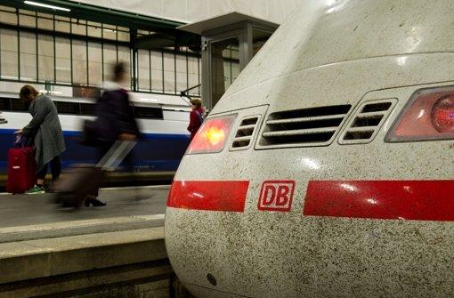 Vermutlich ohne Tickets sind am Freitag Jugendliche aus einem ICE in Stuttgart geflüchtet. Foto: dpa/Symbolbild