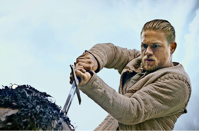 "Kinokritik ""King Arthur: Legend of the Sword"": Excalibur und der Kleinkriminelle"