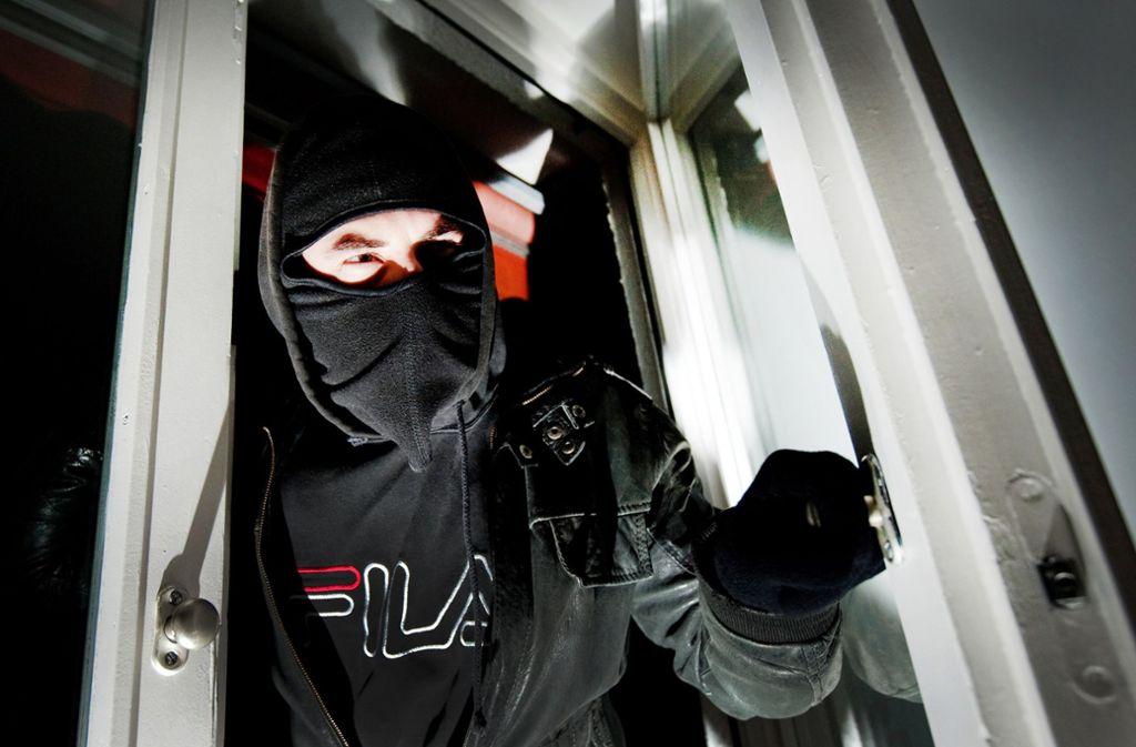 kriminalit t in stuttgart licht in der wohnung schreckt einbrecher ab stuttgart stuttgarter. Black Bedroom Furniture Sets. Home Design Ideas