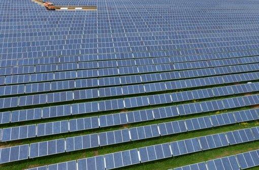 Die Stromproduktion von Solarmodulen ist im Sommer am höchsten Foto: dpa