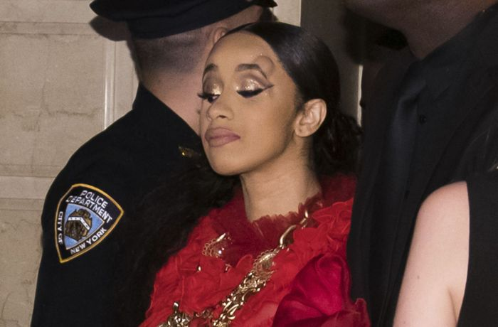 New York Fashion Week: Cardi B geht auf Nicki Minaj los