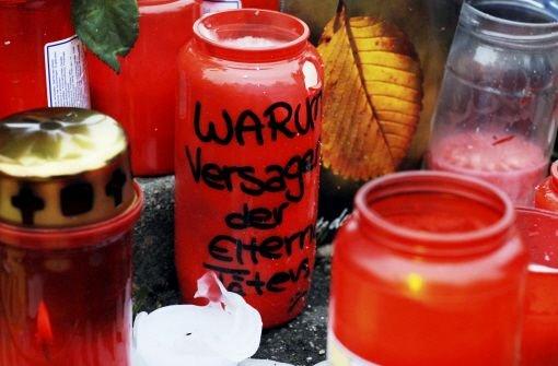Auch fast vier Jahre nach dem Amoklauf von Winnenden und Wendlingen, bei dem 15 Menschen und der Attentäter Tim K. starben, bleibt die Frage nach dem Warum. Foto: dpa