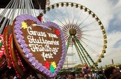 Der Frühling kommt endlich nach Stuttgart: Am 20. April öffnet das 75. Stuttgarter Frühlingsfest seine Pforten auf dem Cannstatter Wasen. Foto: in.Stuttgart/Thomas Niedermüller