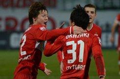 Gotoku Sakai: Note 3. Er hat in dieser Saison bereits drei gelbe Karten bekommen. Foto: dapd