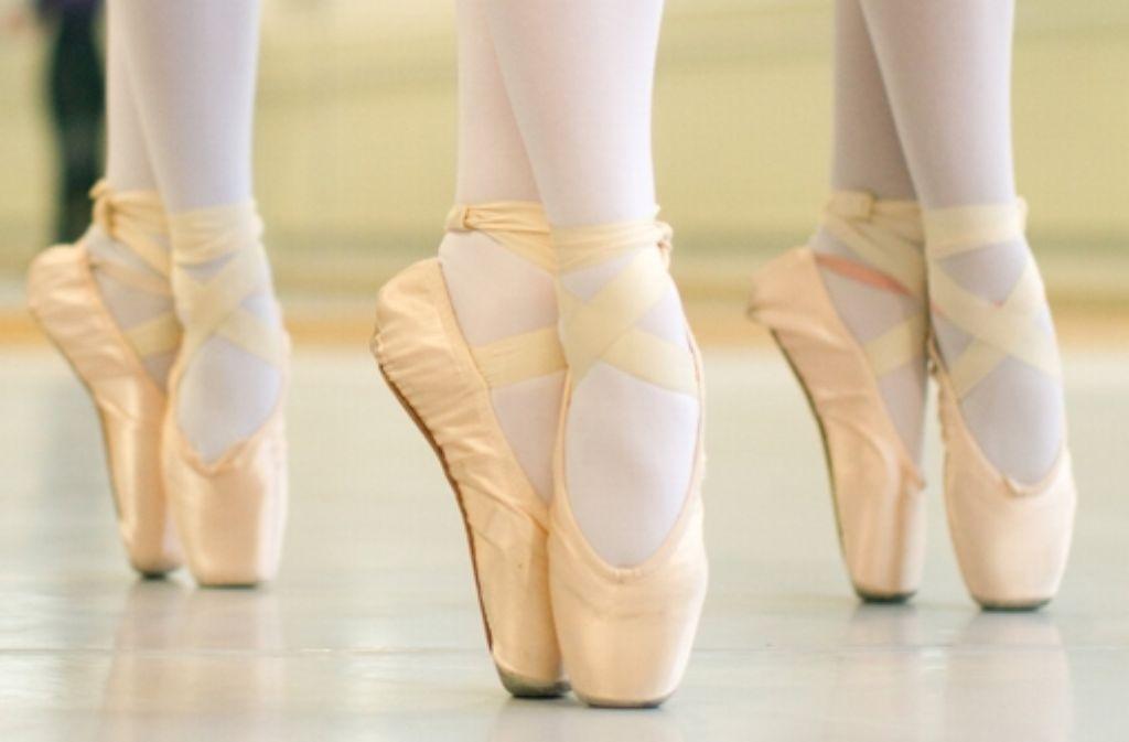 Absurde Klagen Mit 125 Kilo An Der Ballettstange Panorama