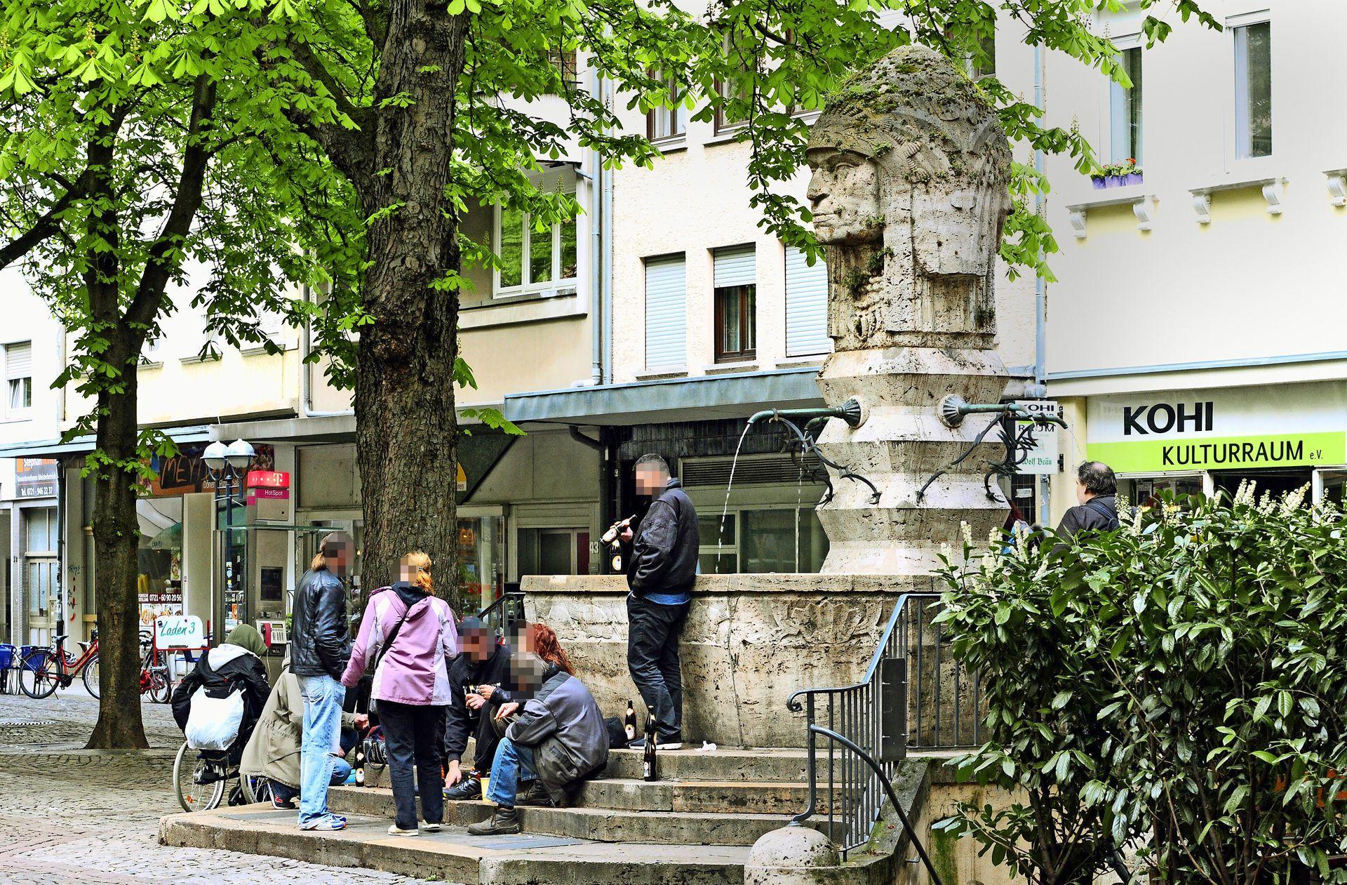 Brauchtum in Zuffenhausen: Festtagskleid für den Brunnen