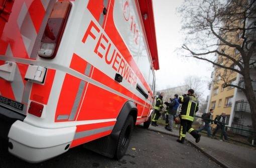 Ein Brand in einer Tiefgarage in Filderstadt hat am Montagabend einen Schaden von 100.000 Euro verursacht. 39 Bewohner des darüberliegenden vierstöckigen Hauses wurden in Sicherheit gebracht. (Archivbild) Foto: dpa