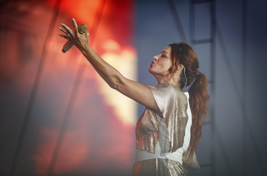 Andrea Berg In Aspach Die Berg Ruft Die Fans Tanzen Rems Murr