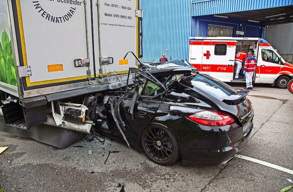 Unfall Auf Dem Stuttgarter Gro 223 Marktgel 228 Nde Porsche