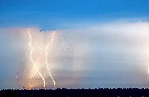 Im Zelt Vor Blitz Geschützt : Unterschätzte gefahr was passiert wenn man vom blitz