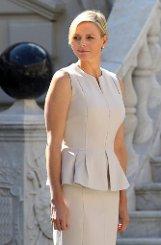 Sie steht ohne ihren Mann Albert auf Madeleines und Chris Gästeliste: Fürstin bCharlène von Monaco/b. Foto: dpa