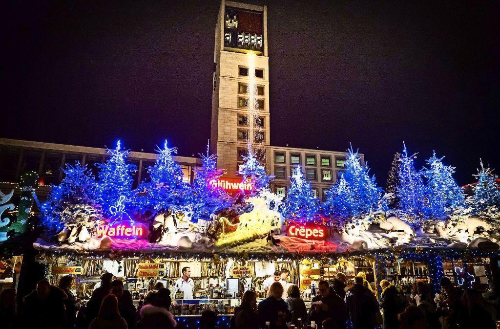 Wann Beginnt Der Weihnachtsmarkt In Stuttgart.ärger Mit Trittbrettfahrern Angriff Auf Den Weihnachtsmarkt
