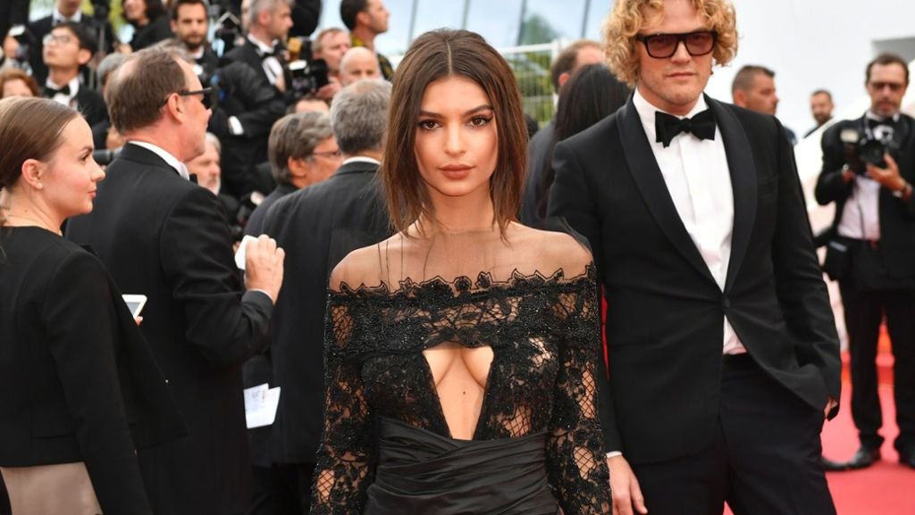 Filmfestival In Cannes Emily Ratajkowski Lasst Tief Blicken