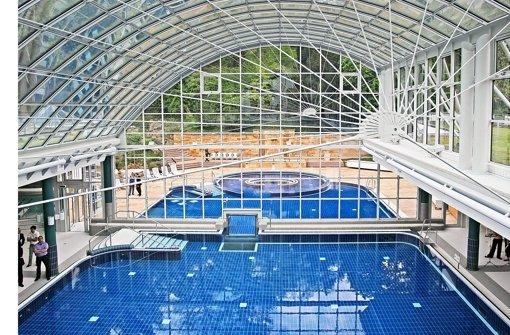 mineralbad cannstatt parken schwimmbad und saunen. Black Bedroom Furniture Sets. Home Design Ideas