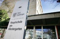 b5. Januar:/b In Sindelfingen halten mehr als zehn Prozent der Wahlberechtigten eine Entscheidung ihres Gemeinderats für falsch - sie wollen verhindern, dass die Hauptschule am Klostergarten aufgegeben wird und die Schüler verteilt werden. 4900 Unterschriften sind zusammengekommen. Foto: Kern
