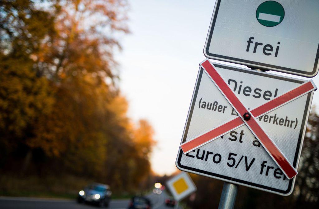 Fahrverbot Stuttgart Karte.Kartenhersteller Arbeiten Dran Auch Das Navi Soll Aufs Fahrverbot
