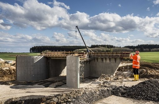 Tunnel- und Brückenbau der Bahn kostet viel Geld Foto: Leif Piechowski