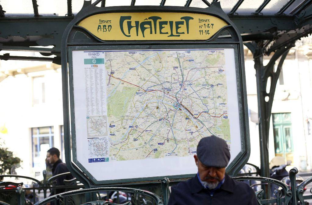 terrorverdacht in paris messerangriff in pariser u bahn. Black Bedroom Furniture Sets. Home Design Ideas