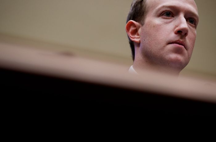Facebook toleriert Holocaust-Leugner: Heftige Kritik an Mark Zuckerberg nach Interview