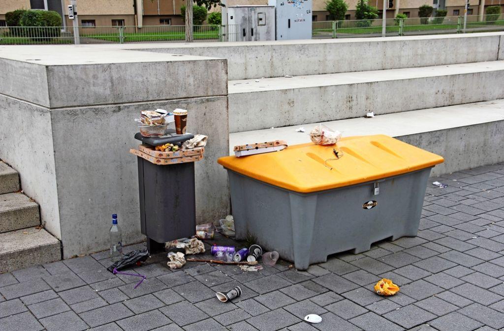 öffentlicher Mülleimer
