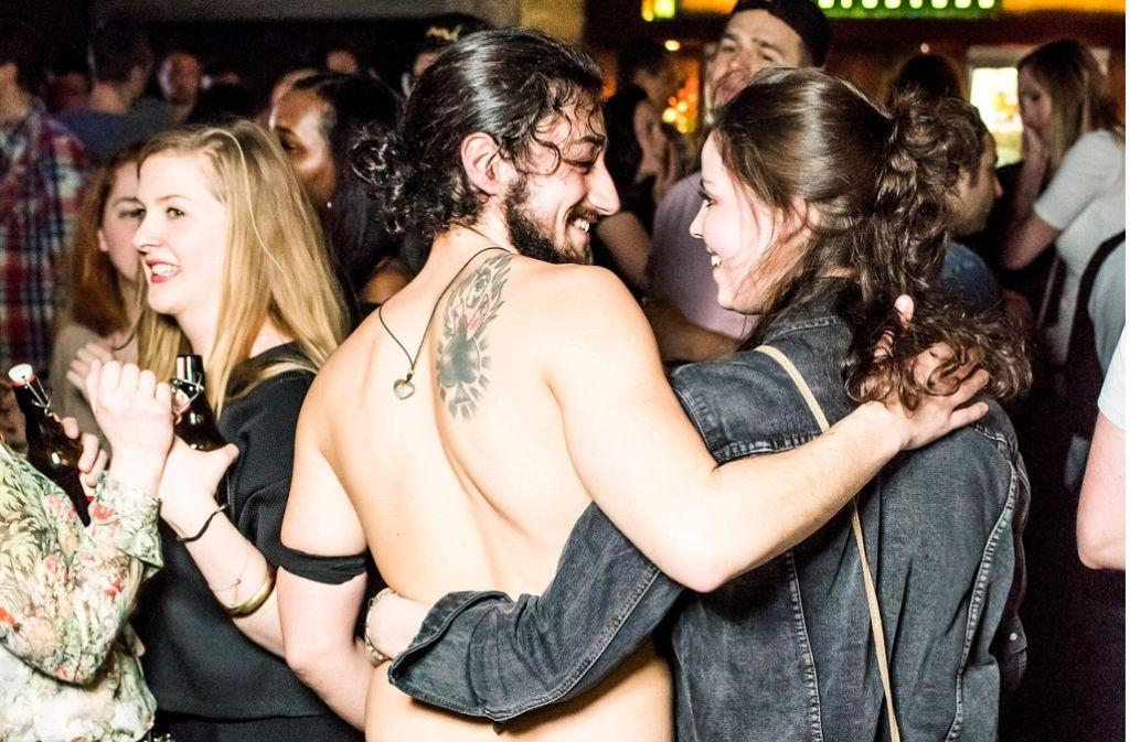 Nackt Auf Party