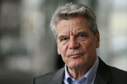 """... Zeitung"""" den neuen Präsidenten. Gauck gilt als emotional und schwer"""