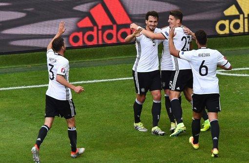 Deutschland erreicht Viertelfinale souverän