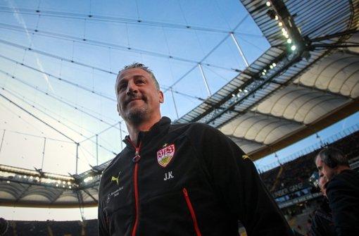 Jürgen Krammy und der VfB schwimmen aktuell auf einer Erfolgswelle. Wir tickern live von der Pressekonferenz vor dem Pokalspiel gegen den BVB. Foto: DPA