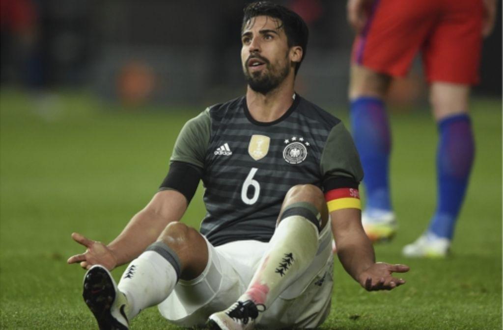 Deutschland Gegen Italien Sami Khedira Wächst An Dreifach Rolle