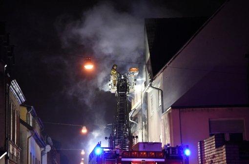 Mutter und Sohn fallen Flammen zum Opfer