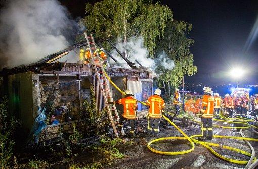 Stall brennt aus