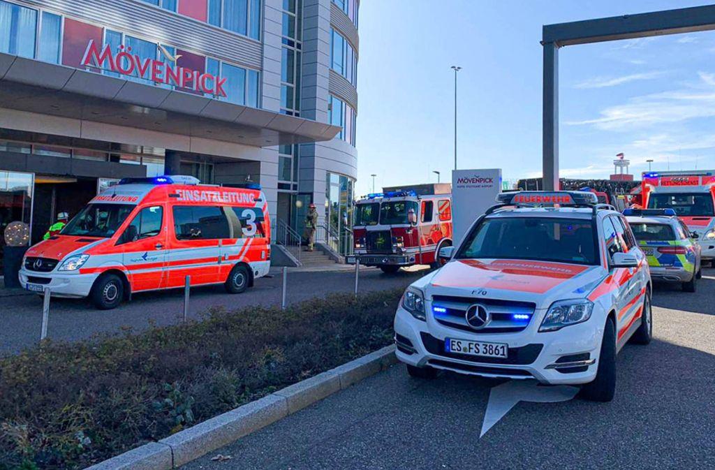 Großeinsatz in Leinfelden-Echterdingen - Hotel am Flughafen muss nach Brand evakuiert werden - Stuttgarter Nachrichten