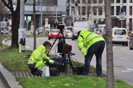 """Testgeräte werden auf der """"Theo"""" installiert Foto: Andreas Rosar Fotoagentur-Stuttgart"""