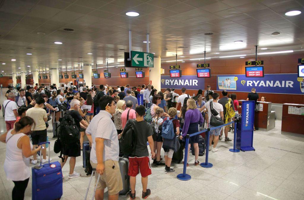 Reise mit Ryanair: Wie der Billigflug zum Albtraum wird - Panorama ...