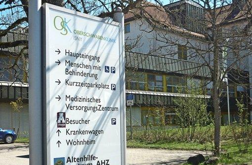 Die Klinik in Isny steht auf der Streichliste – gegen den Willen der Bürger. Foto: Bock