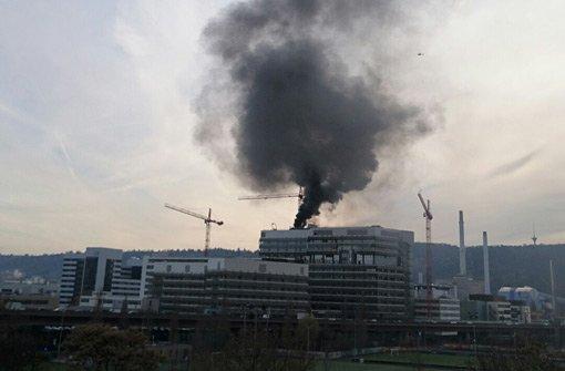 Feuer auf Verwaltungsgebäude