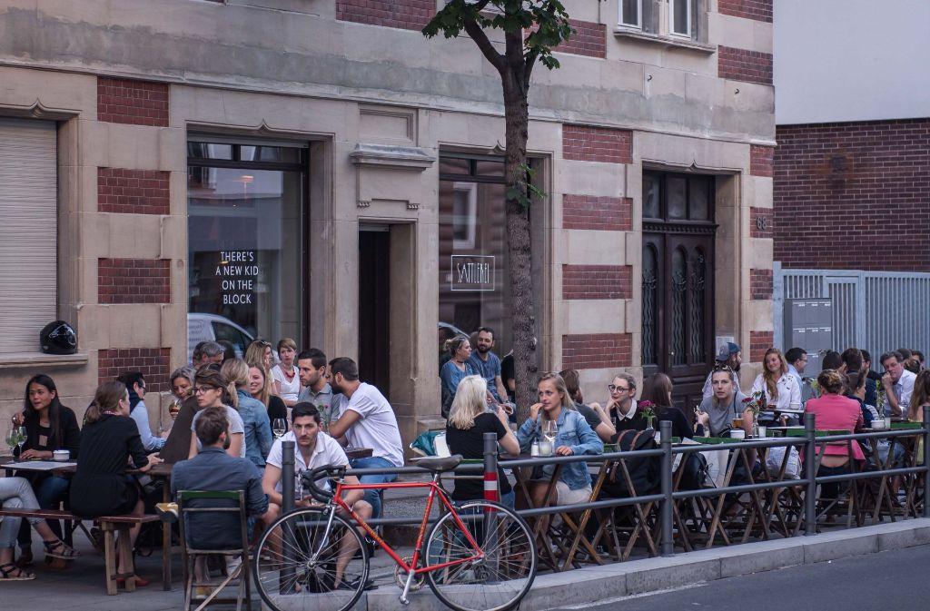 946c08b925e9dd Neue hippe Anlaufstelle  die Sattlerei in der Tübinger Straße Foto   Lichtgut Max Kovalenko