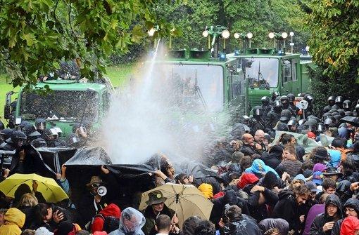 Unverhältnismäßig, rechtswidrig: Der Polizeieinsatz im Schlossgarten vor fünf Jahren. Foto: dpa