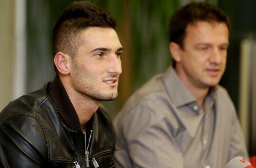 Frederico Macheda wechselt auf Leihbasis bis zum Saisonende zum VfB Stuttgart. Klicken Sie sich durch unsere Bildergalerie vom ersten Training und von der Pressekonferenz. Foto: Pressefoto Baumann