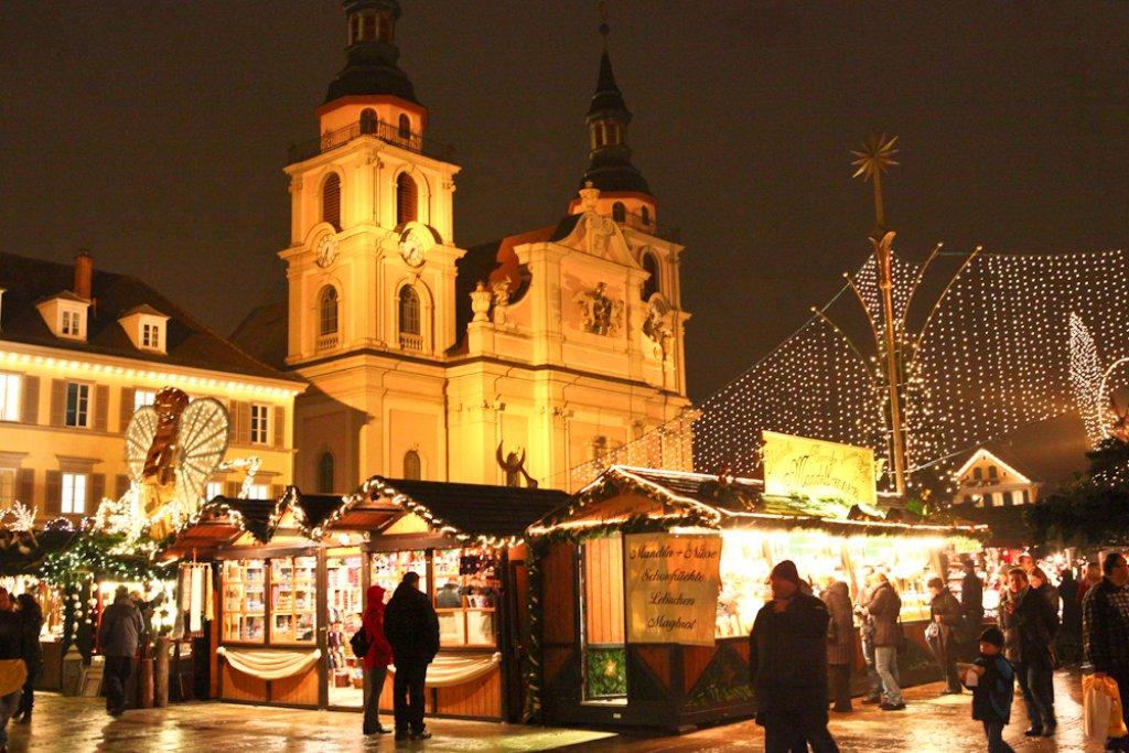 weihnachtsmarkt er ffnung in ludwigsburg feiert man k niglich ludwigsburg stuttgarter. Black Bedroom Furniture Sets. Home Design Ideas