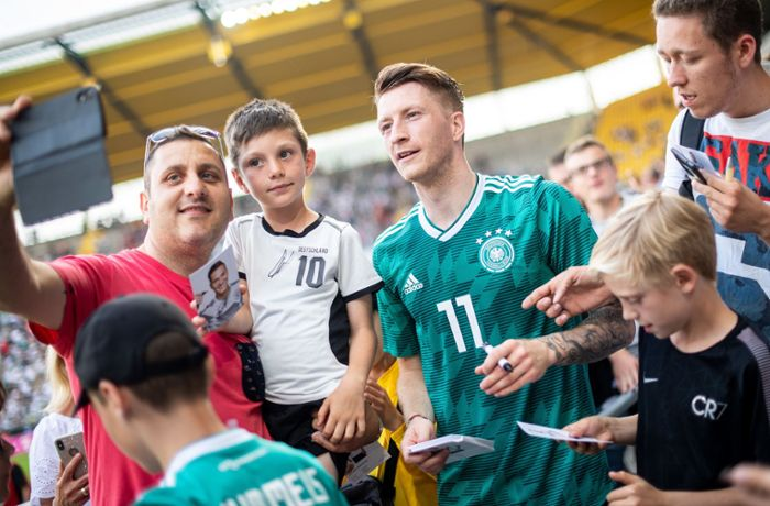 DFB-Showtraining in Aachen: Nationalelf: Ein Tag volksnah