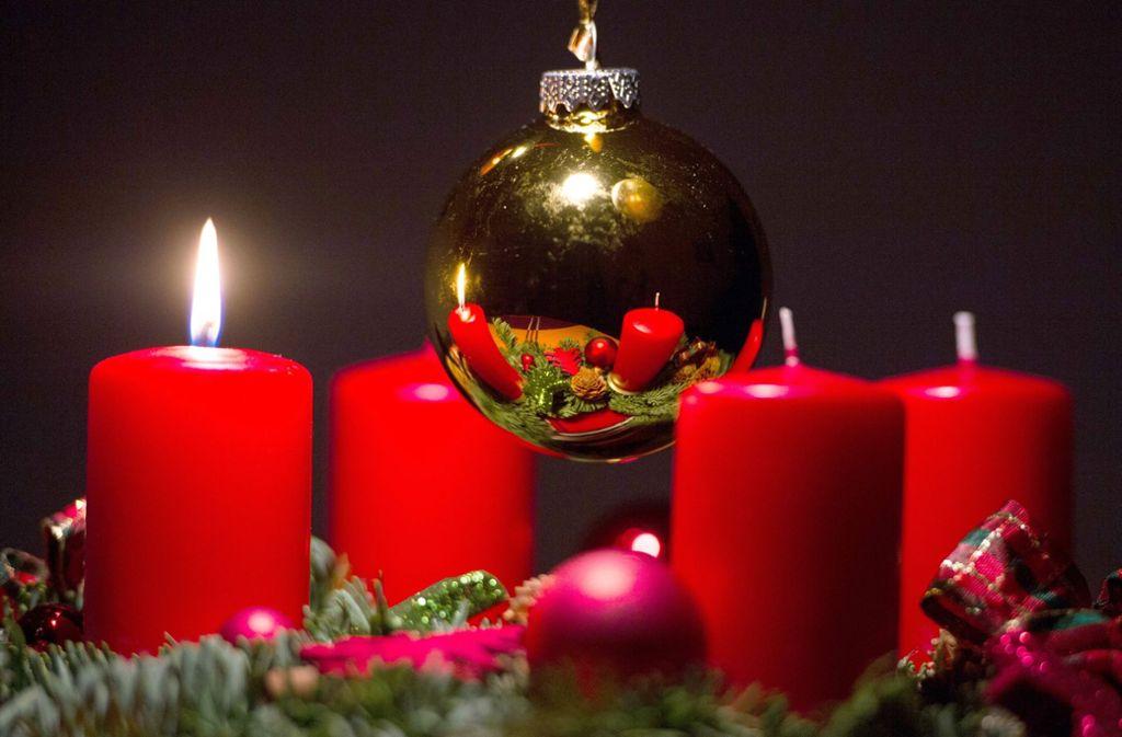 Bilder Nach Weihnachten.Ein Monat Nach Weihnachten Adventskranz Geht In Flammen Auf