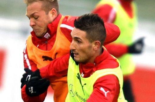 Erstes Training mit den neuen Kollegen: Federico Macheda (re.) und Raphael Holzhauser. Klicken Sie sich durch die Bildergalerie. Foto: Pressefoto Baumann
